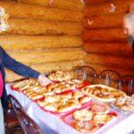 Или такой набор чудесных пирожков утром праздничного дня